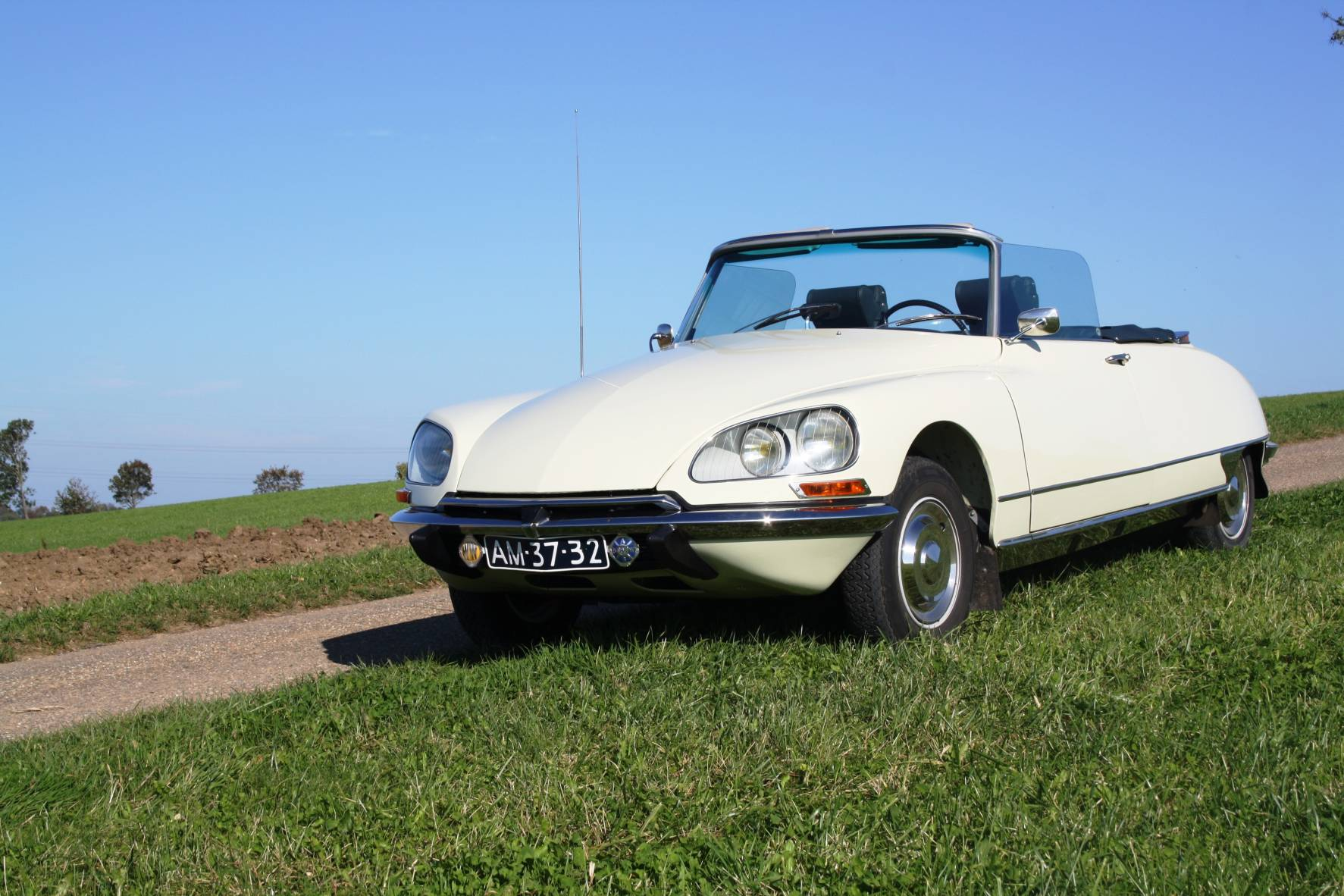 DS 21 Cabriolet 2
